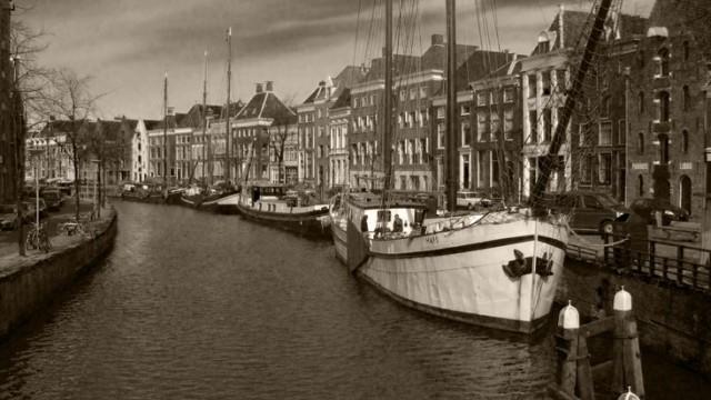 boats-sailboats-canal-historical-large