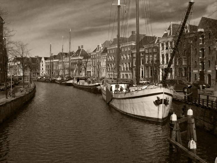 boats-sailboats-canal-historical-large